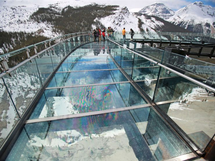 Top-10-Viewpoints-Skywalk-Photo-by-Gavin-Young