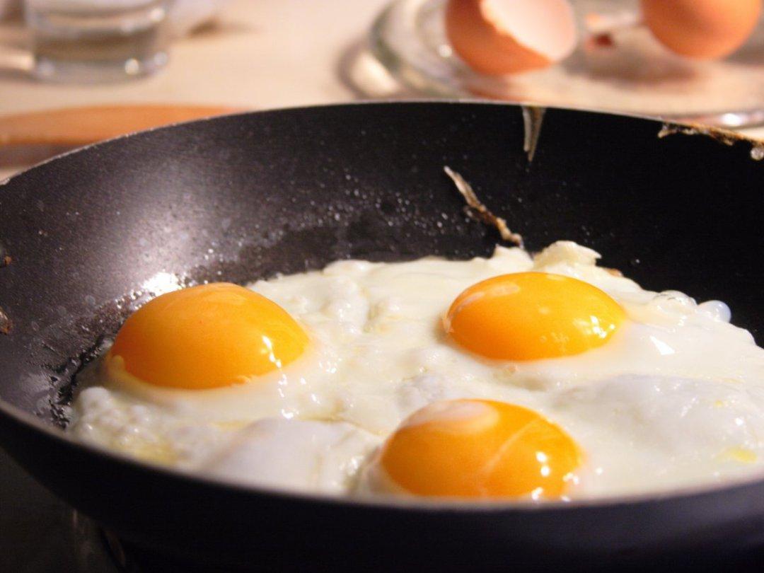 do-eggs-raise-cholesterol-levels