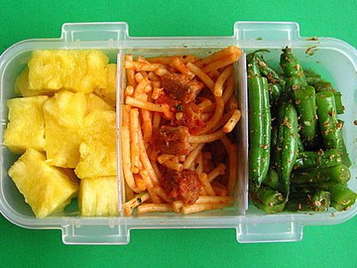 is-it-safe-to-microwave-food-in-plastic-containers