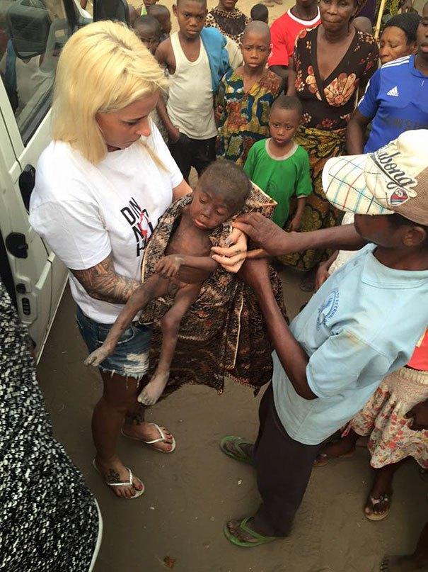 nigerian-starving-thirsty-boy-hope-rescued-anja-ringgren-loven-21