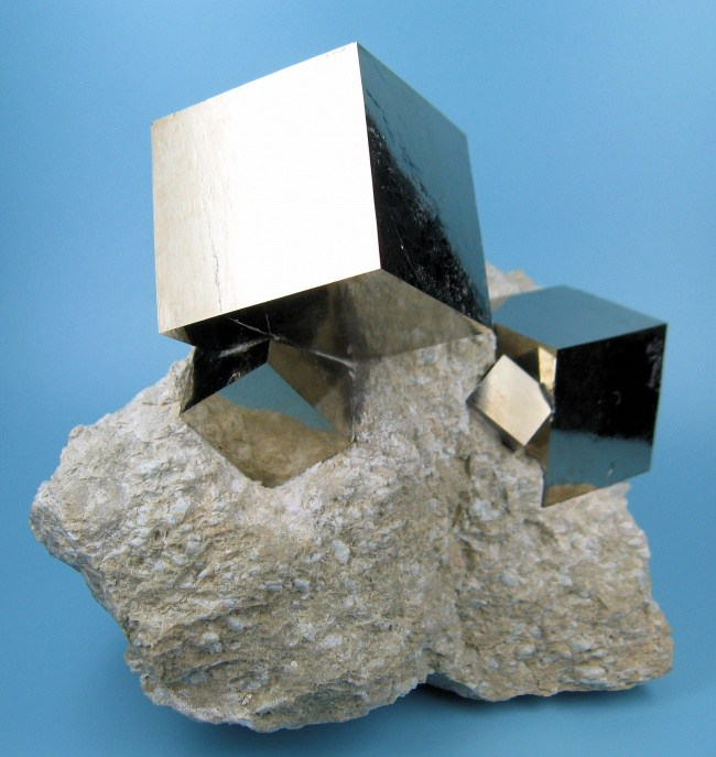313805-650-1457296842-2780M-pyrite1