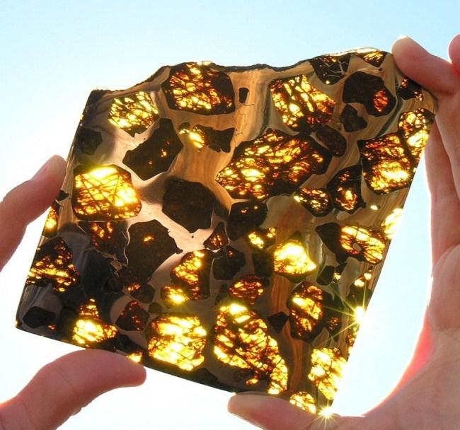 313105-650-1457296842-fukang-meteorite-96