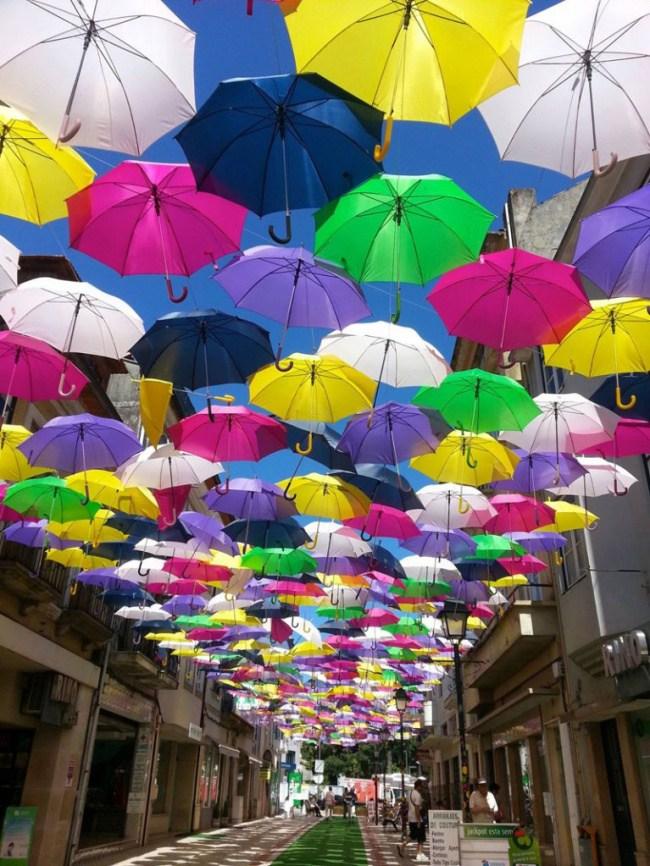 313255-650-1457296842-umbrella-sky-project-2014-agueda-portugal