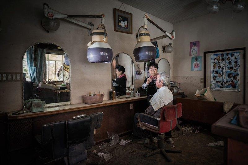 after-fukushima-invisible-contamination-ghost-town-carlos-ayesta-8