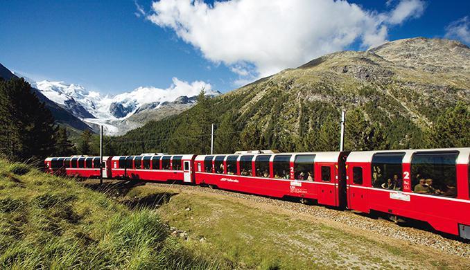 bernina-express-in-mountains