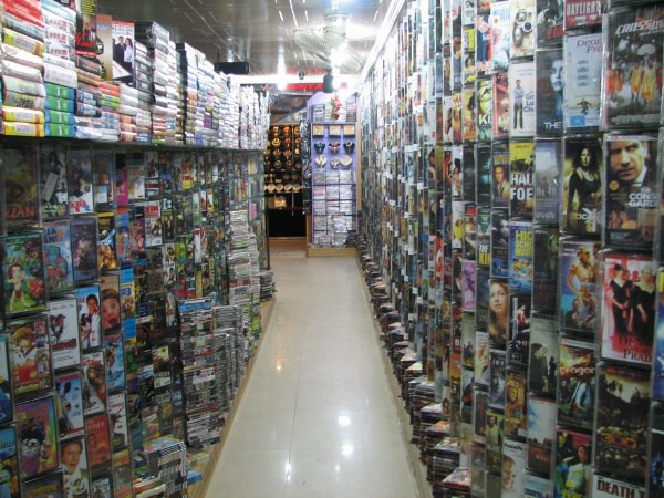 275855-600-1447765801Inside_a_video_store_in_Islamabad