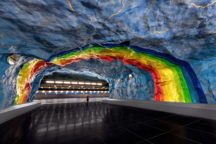 Under The Rainbow – Stadion