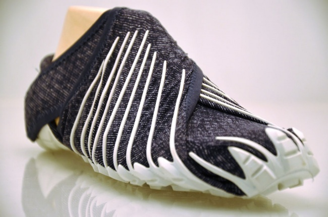 19455-R3L8T8D-650-995010-R3L8T8D-650-japanese-inspired-wrap-around-shoes-furoshiki-vibram-3