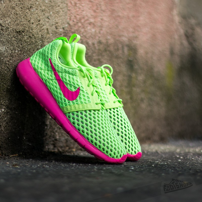 nike-roshe-one-flight-weight-gs-ghost-green-pink-blast