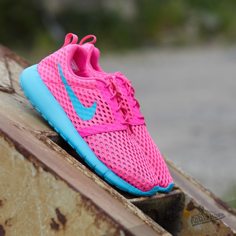 nike-roshe-one-flight-weight-gs-pink-blast-gamma-blue-1