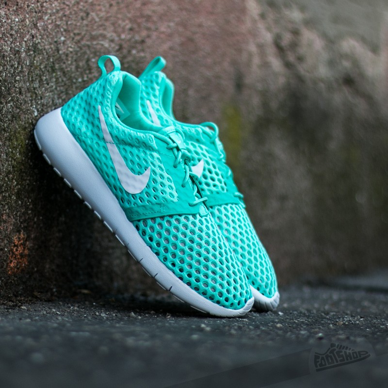 nike-roshe-one-flight-weight-gs-hyper-turq-white