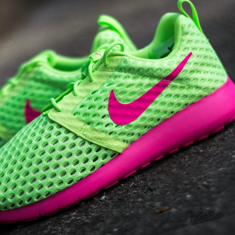 nike-roshe-one-flight-weight-gs-ghost-green-pink-blast-1