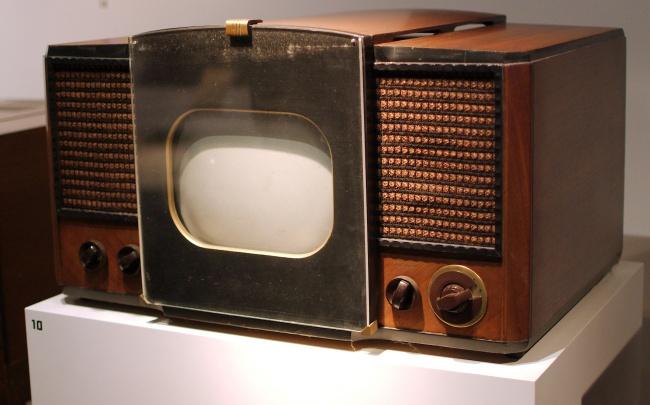 2478005-RCA_630-TS_Television-650-1466055481