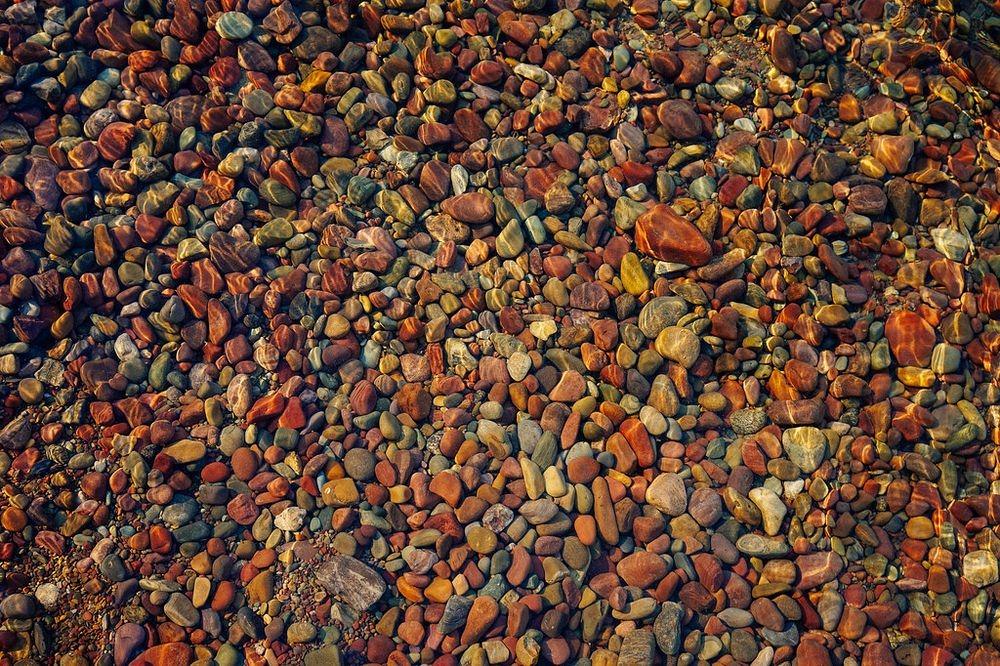 lake-mcdonald-colored-pebbles-66