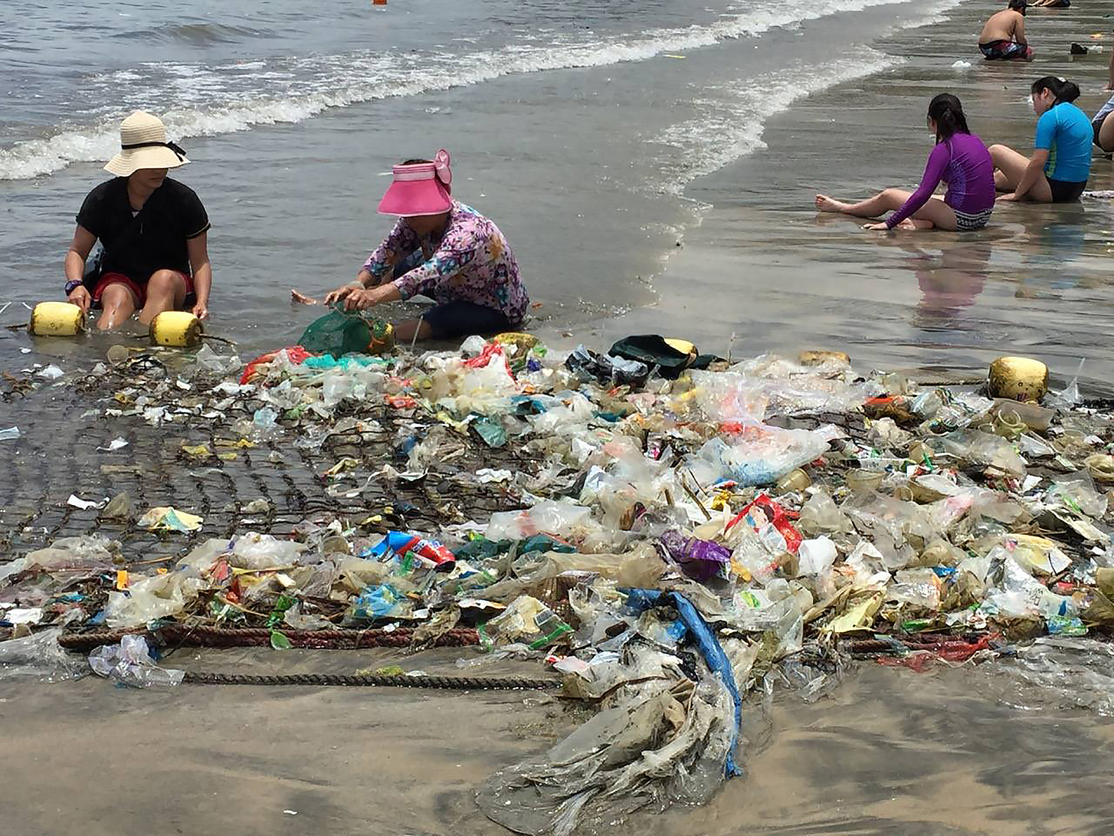 Hong-Kong-Plastic-Trash