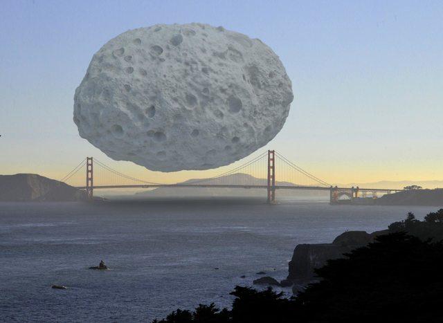 Ateroid Dionysus má podľa predpokladov šírku okolo 1,5 kilometra. Odhadovaná cena zdrojov v jeho vnútri sa pohybuje okolo 2,6 biliónov eur. Takto by vyzeral, ak by sa nachádzal nad Golden Gate Bridge.