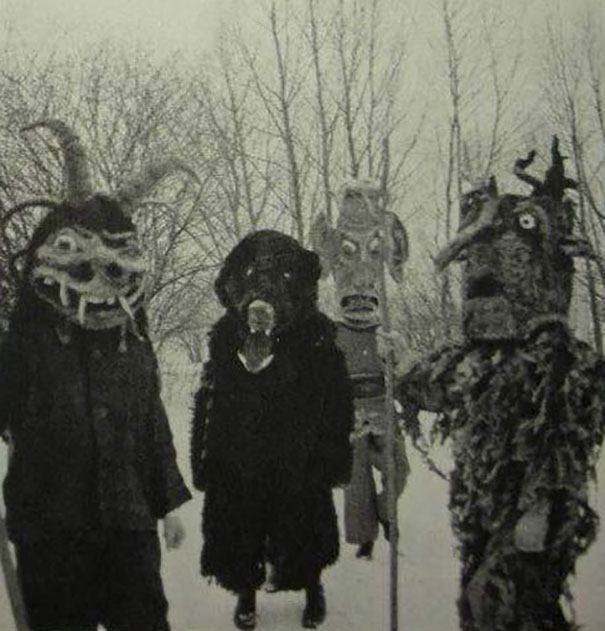 scary-vintage-halloween-creepy-costumes-35-57f65bc363e44__605