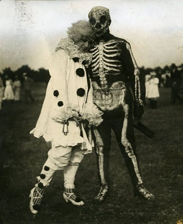 scary-vintage-halloween-creepy-costumes-10-57f64946219de__605