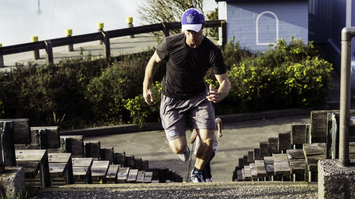 5-running-up-stairs-819-calorieshour