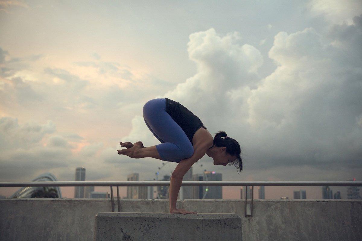 28-power-yoga-364-calorieshour