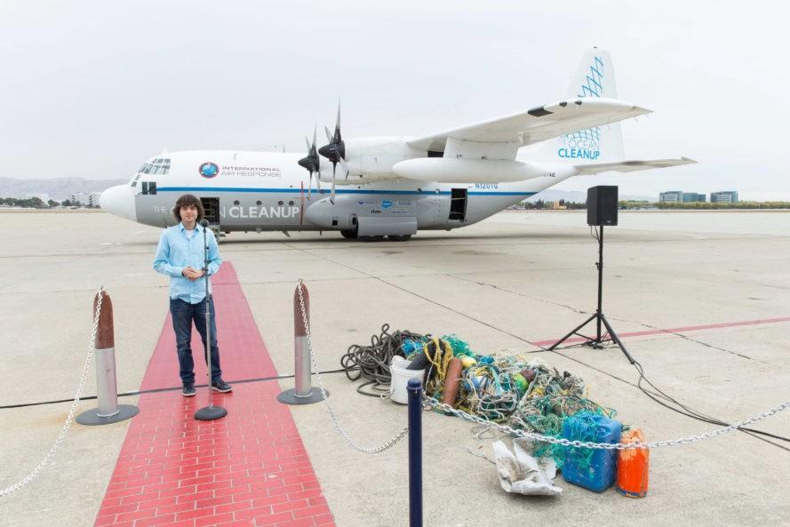 161003-the-ocean-cleanup-boyan-slat-889x593-1