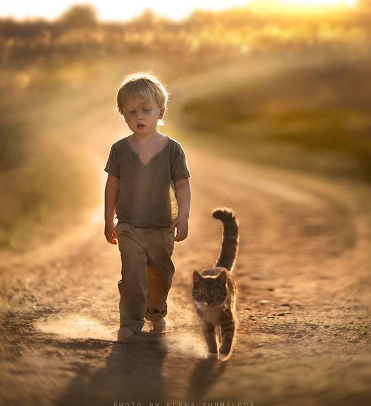 kids-and-animals-elena-shumilova-14