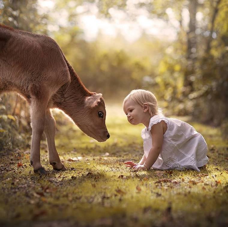 kids-and-animals-elena-shumilova-18