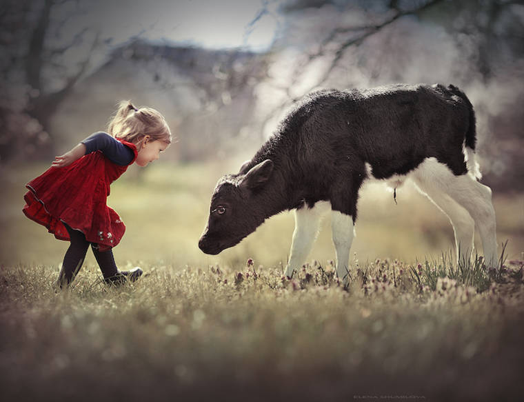 kids-and-animals-elena-shumilova-21