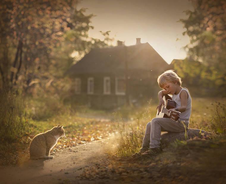 kids-and-animals-elena-shumilova-22