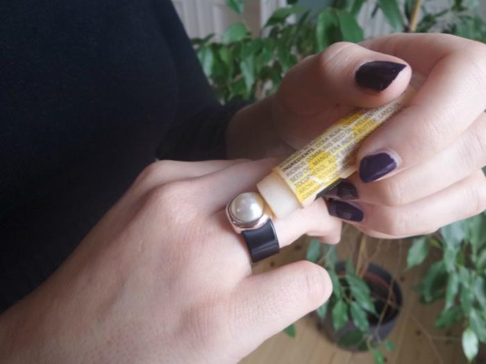 ako odstrániť prsteň od jeho prsta