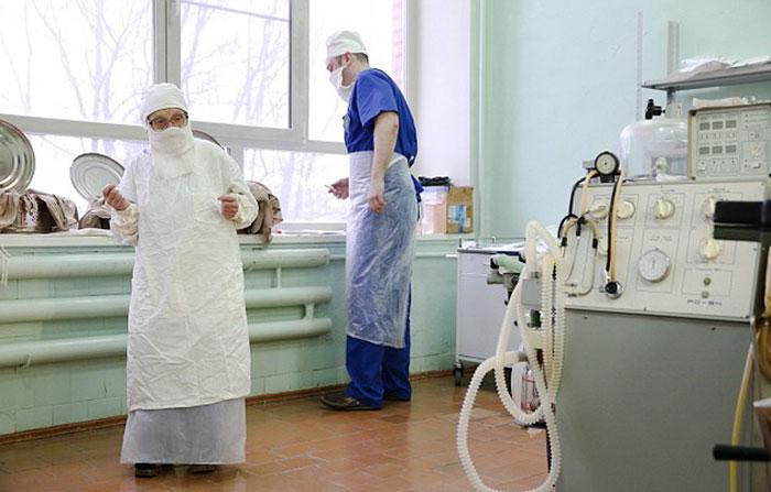 89-year-old-surgeon-alla-ilyinichna-levushkina-2