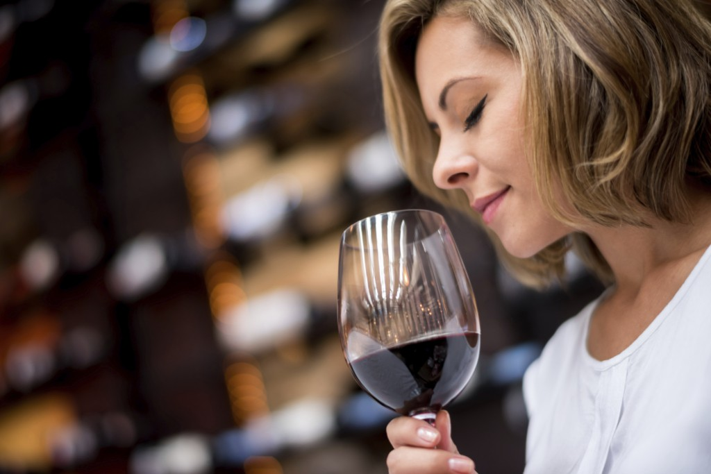 Výsledok vyhľadávania obrázkov pre dopyt woman wine