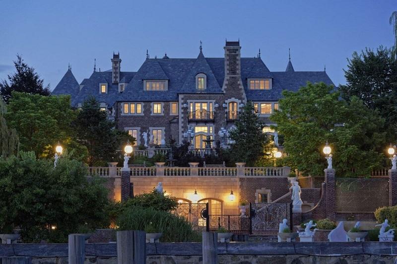 дом замок