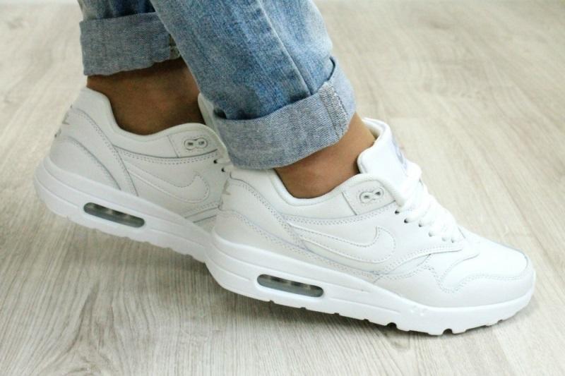 как почистить кроссовки белые