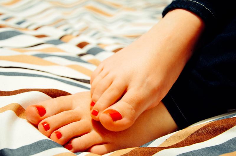как лечить грибок на ногах в домашних условиях