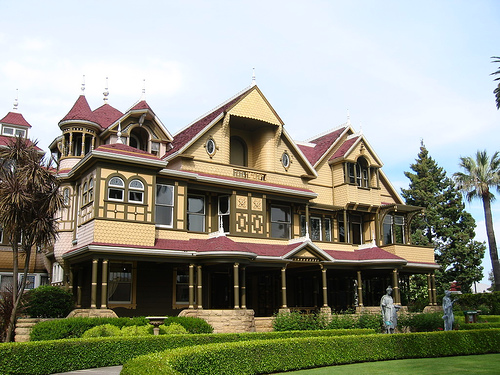 Winchester Mystery House photo