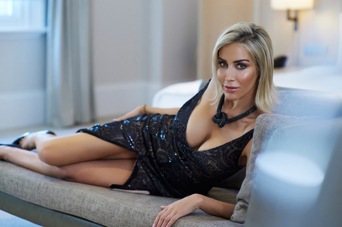 manželka mala sex s čiernou Akira Ázijské porno