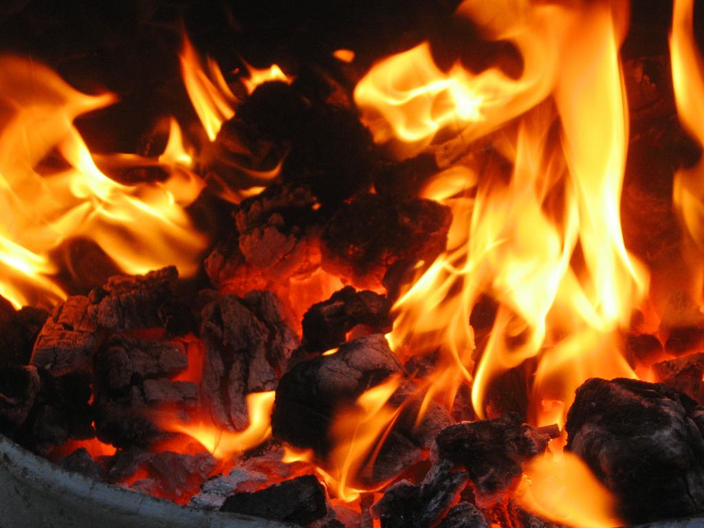 burning coals fotografia