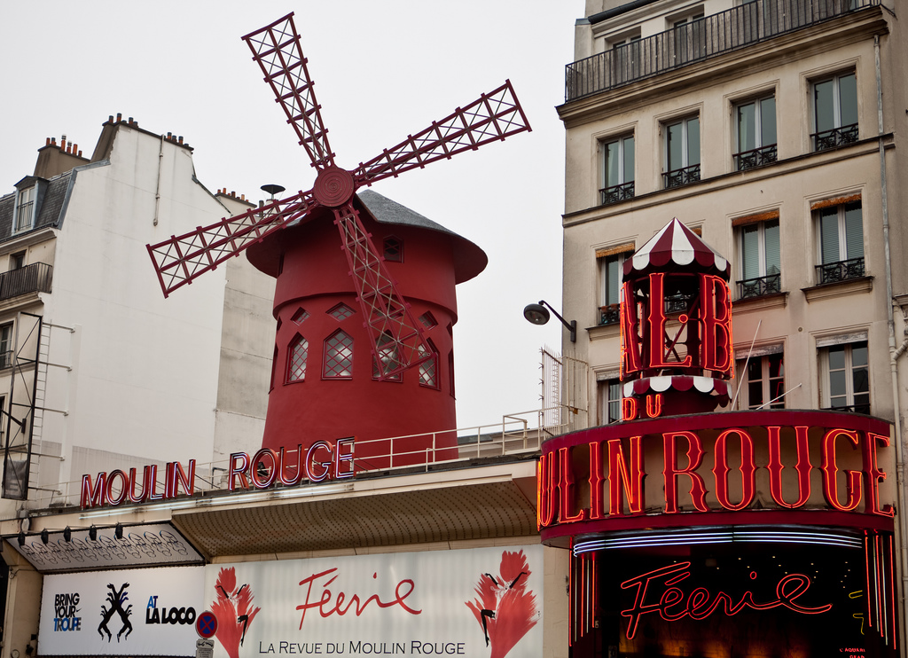 paris moulin rouge fotografia