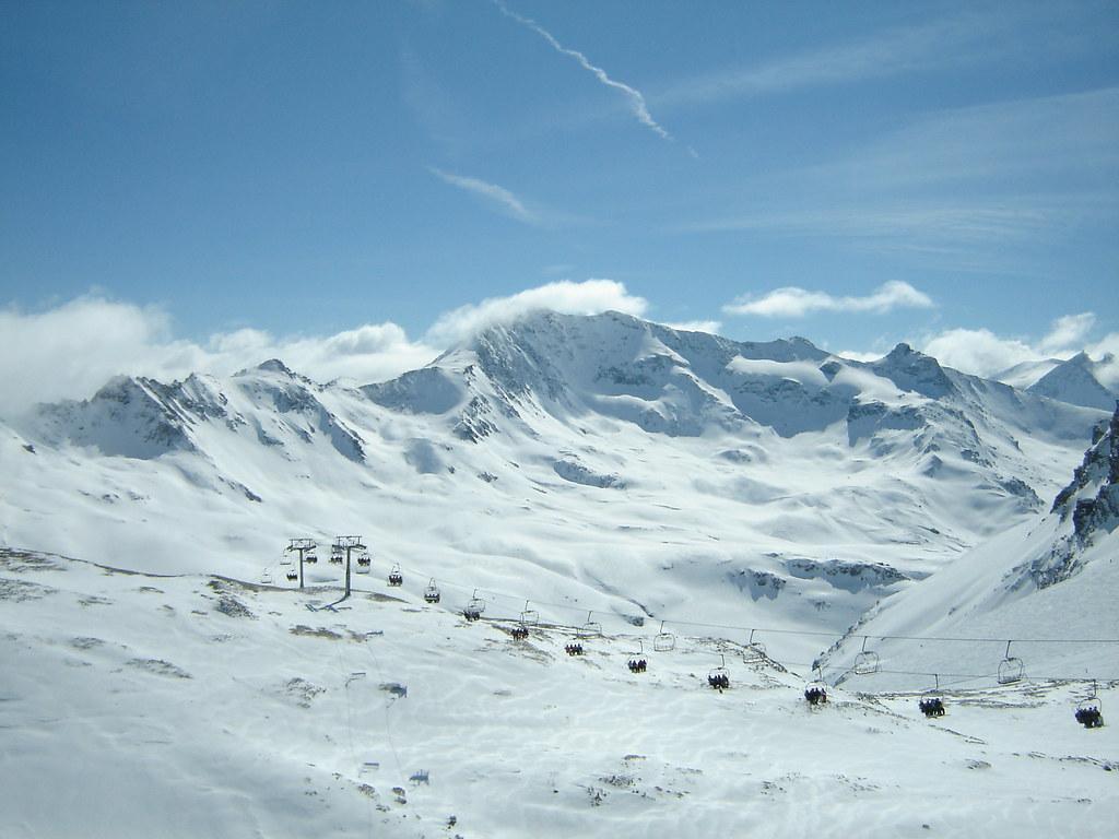 skiing in alps fotografia