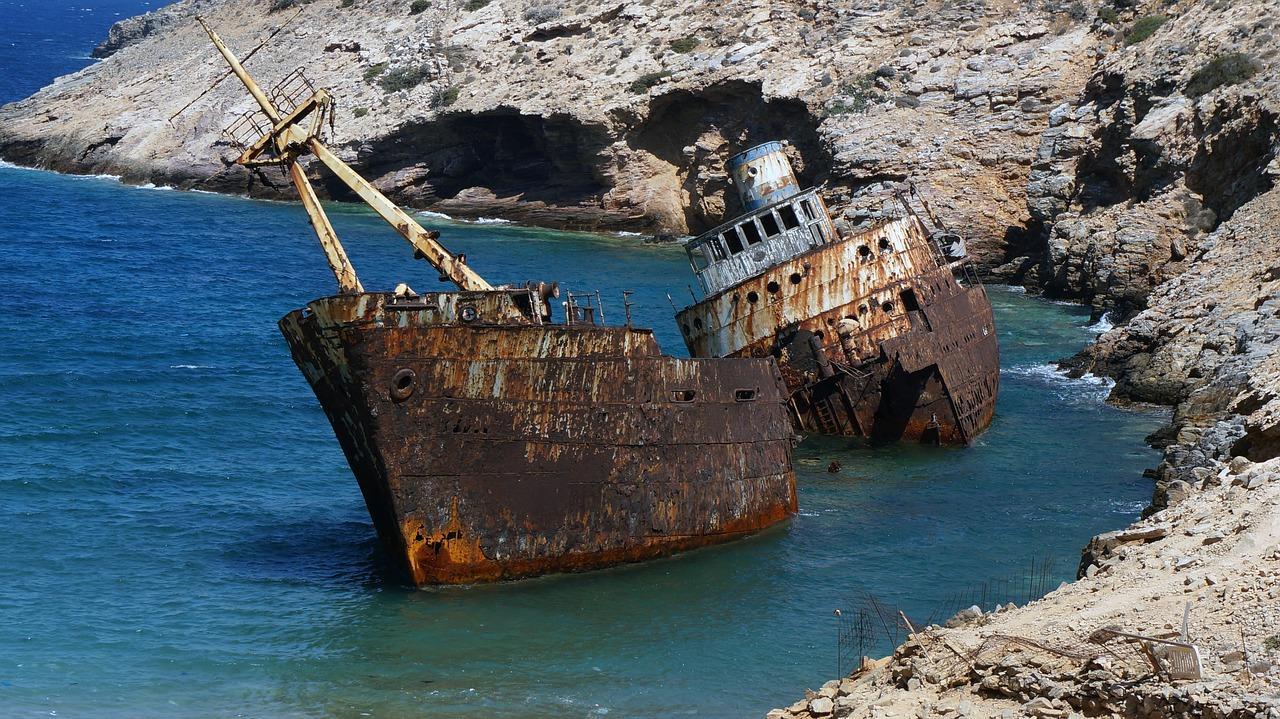 wrecked ship ocean fotografia